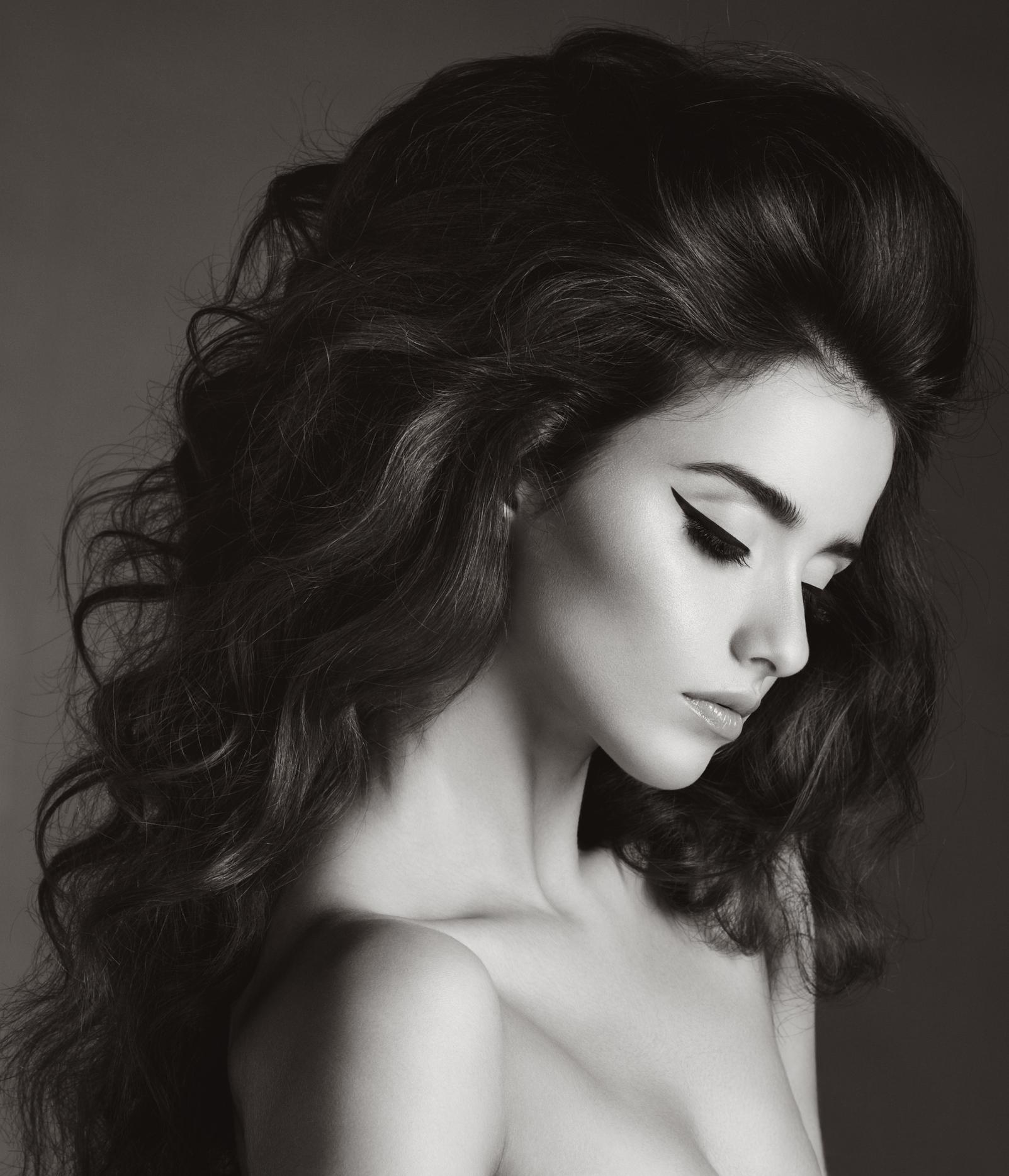 soin anti chute de cheveux pour femmes brunes et blondes