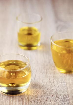 verre d'huile d'olive, d'argent, de pépin de raisin et d'argan