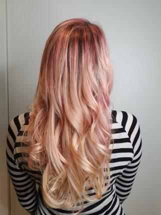 Strawberry blonde, blond fraise sur cheveux long réalisé au salon de coiffure stalter à brumath