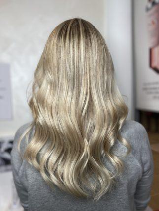 Blond beige réalisé au salon de coiffure stalter Strasbourg